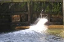 Na 50 jaar is de sluis niet meer helemaal waterdicht.